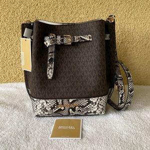 NWT Michael Kors Emilia Bucket Bag Messenger